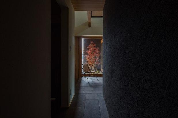 和室・和風 玄関 by ALTS DESIGN OFFICE (アルツ デザイン オフィス)