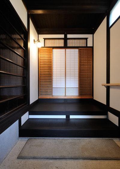 和室・和風 玄関 by 岩崎建築研究室