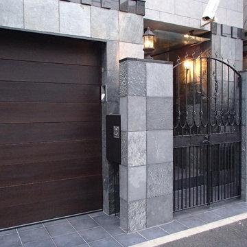 月桂樹の門扉(東京都文京区)
