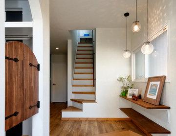 玄関とリビングを結ぶシュークロークが新しい! -ナチュラルカフェの寛ぎスタイル-(一戸建て)