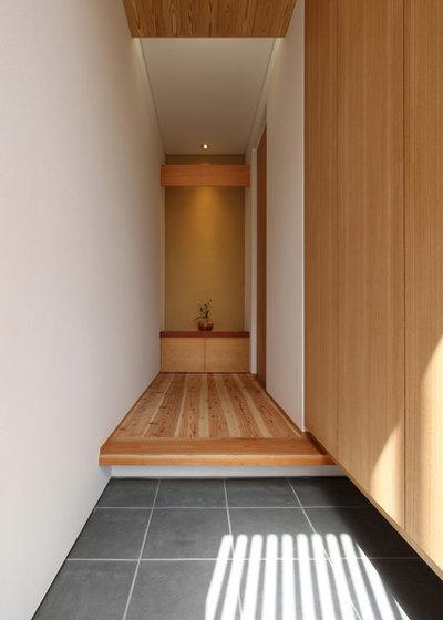 和室・和風 玄関 by Studio tanpopo-gumi 一級建築士事務所