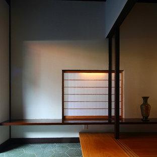 横浜の木の和風のおしゃれな階段の写真