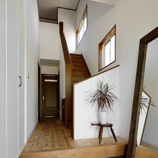 他の地域の北欧スタイルのおしゃれな玄関の写真