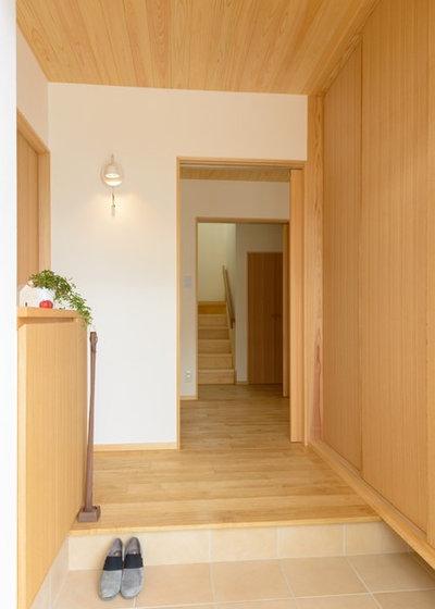 北欧 玄関 by Interior & Lifestyle Design RH+ (アールエイチプラス)
