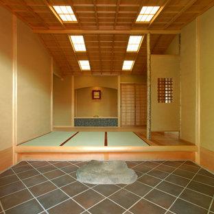 Foto di un ingresso o corridoio etnico con pavimento in tatami