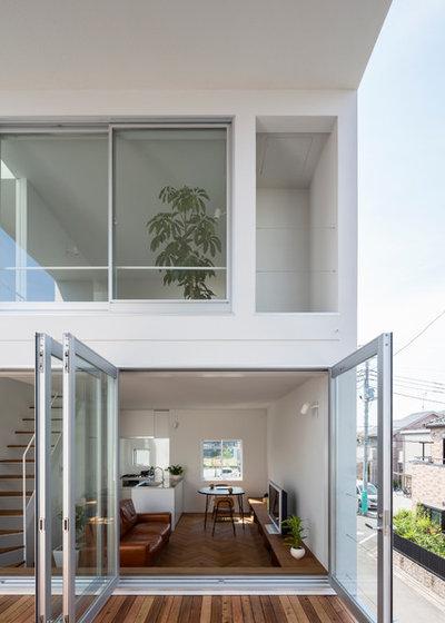 Modern Veranda by 山本卓郎建築設計事務所 TAKURO YAMAMOTO ARCHITECTS