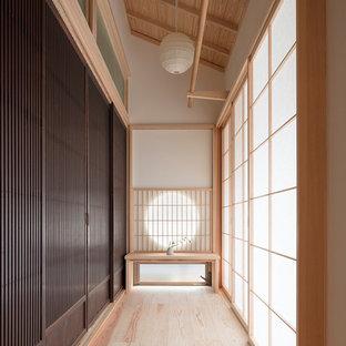 Cette image montre un porche asiatique.