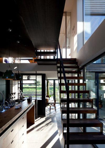 Contemporary Staircase by Studio CY(株)スタジオ サイ