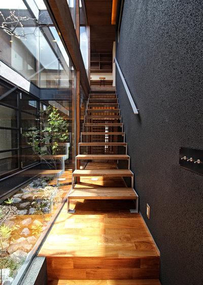 コンテンポラリー 階段 by Grand Living