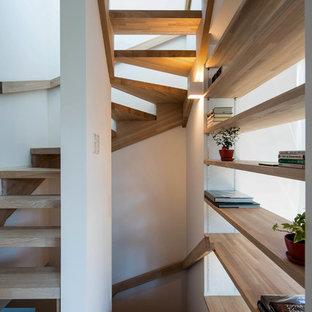 他の地域の北欧スタイルの階段の画像