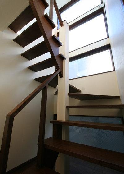 モダン 階段 by 天工舎一級建築士事務所
