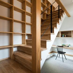名古屋の北欧スタイルのおしゃれな階段の写真