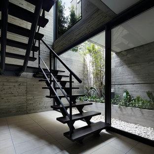 Ejemplo de escalera en L, moderna, sin contrahuella