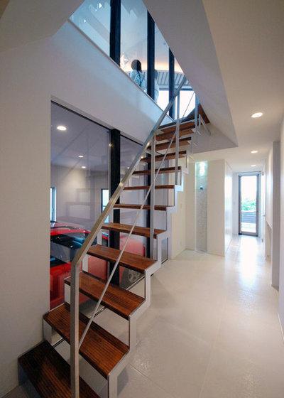 モダン 階段 by TENアーキテクツ一級建築士事務所