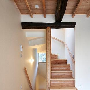 他の地域の広い和風のおしゃれな階段の写真