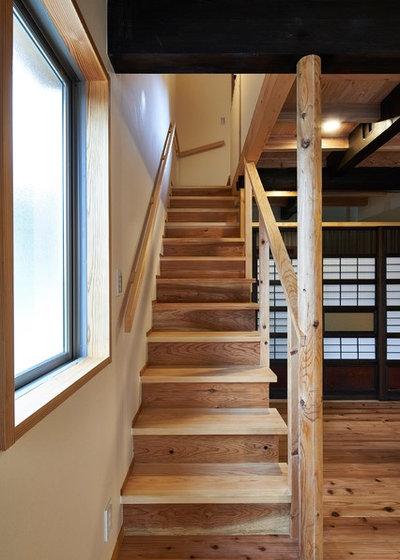 和室・和風 階段 by タイラヤスヒロ建築設計事務所