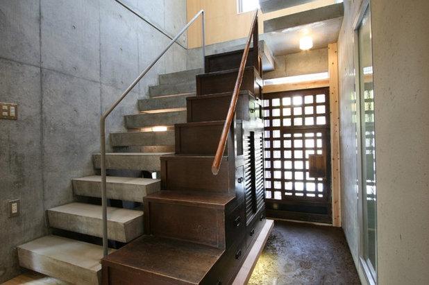 コンテンポラリー 階段 by 戸田晃建築設計事務所