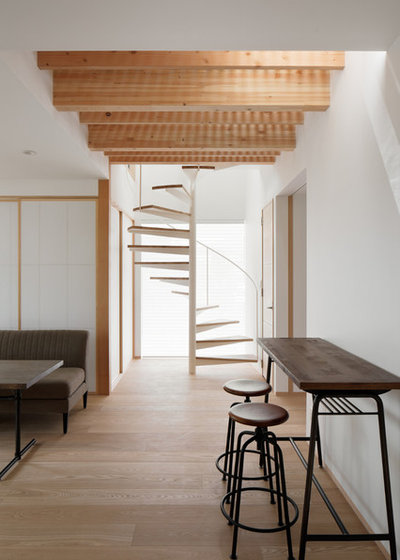 Asian Staircase by アトリエ137 | atelier137 Architectural Design Office