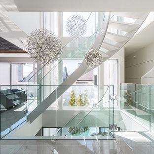 福岡のコンテンポラリースタイルのおしゃれな階段の写真