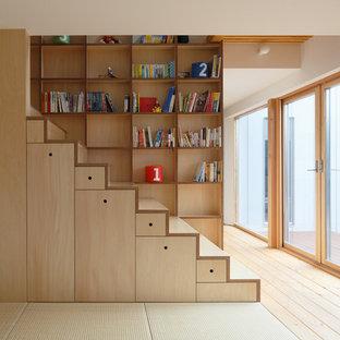 Idee per una scala a rampa dritta nordica con pedata in legno e alzata in legno