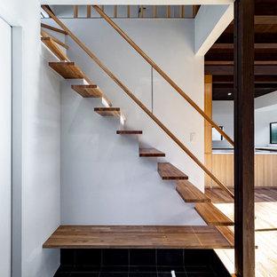 モダンスタイルのおしゃれな階段の写真