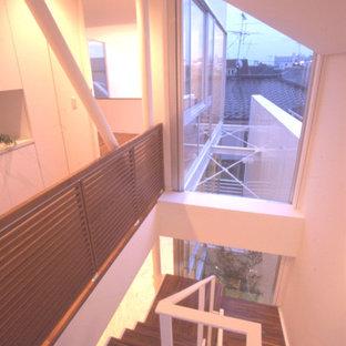東京23区のモダンスタイルのおしゃれな階段の写真