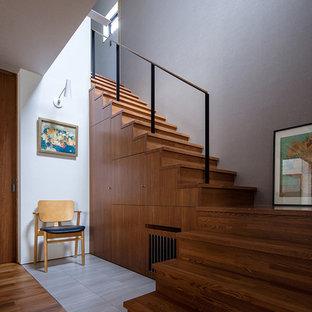 他の地域のモダンスタイルのおしゃれな階段の写真