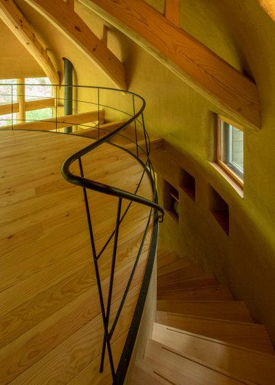 コンテンポラリー 階段 by 遠野未来建築事務所