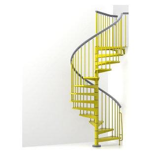 大阪の金属製のトロピカルスタイルのおしゃれならせん階段の写真