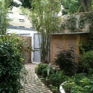 Abri de jardin en panneaux de bambou