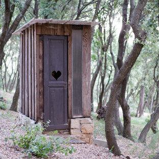 Idées déco pour un abri de jardin séparé campagne.