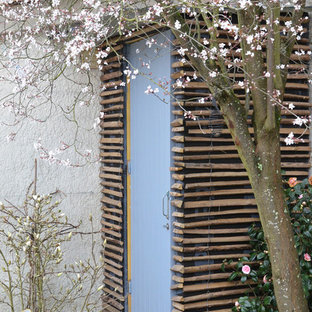 Photo of a small contemporary detached garden shed in Bordeaux.