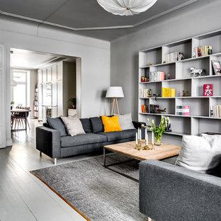 Inspiration för ett vintage allrum, med grå väggar, målat trägolv och grått golv