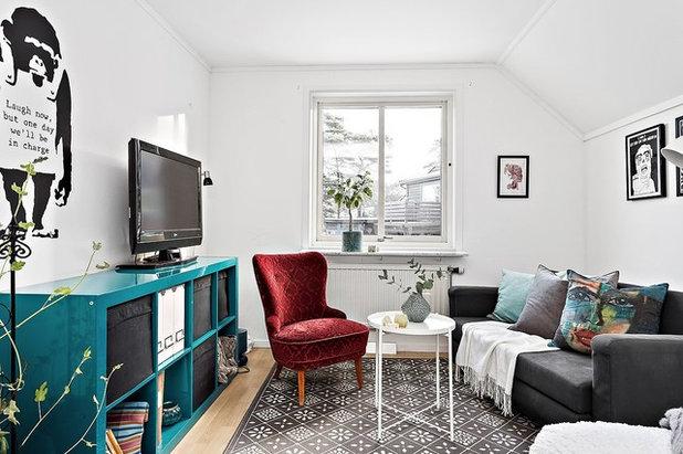 Scandinavian Family Room by DECO indeed