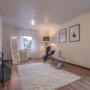 Einfamilienhaus wird für den Verkauf herausgeputzt!