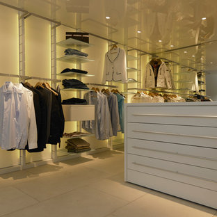 Inspiration For A Contemporary Closet Remodel In Munich