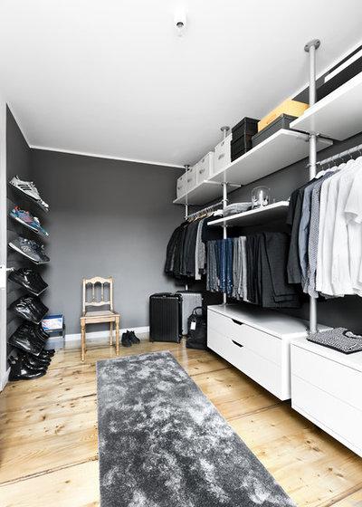 Modern Ankleidezimmer by Designstudio Pascal Walter