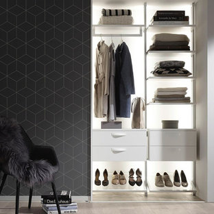 75 Beautiful Small Dressing Room Pictures Ideas April 2021 Houzz