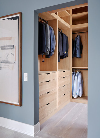 Modern Ankleidezimmer by Anja Lehne interior design