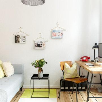 Berlin - Private Studio Apartment – Arbeitsecke mit Wohnbereich kombiniert