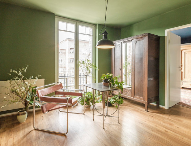 Eclectic Home Office & Library by Studio Plietsch