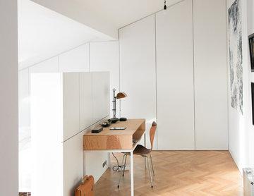GANTZ Kleiderschrank nach Maß unter Dachschräge und Raumteiler nach Maß