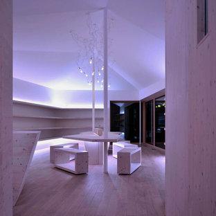 ニュルンベルクの巨大なモダンスタイルのおしゃれなホームオフィス・書斎の写真