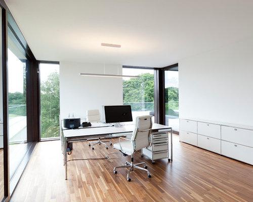 Grand bureau moderne photos et id es d co de bureaux for Grand bureau moderne