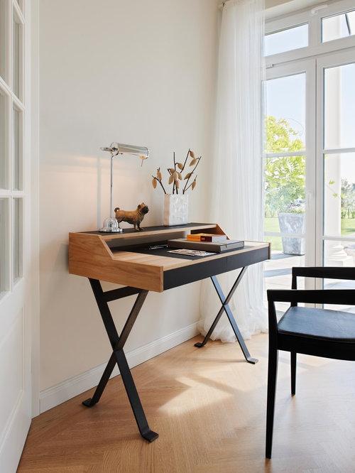 Modernes arbeitszimmer mit hellem holzboden ideen f r - Arbeitszimmer wandfarbe ...