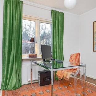ストックホルムの北欧スタイルのおしゃれなホームオフィス・仕事部屋の写真