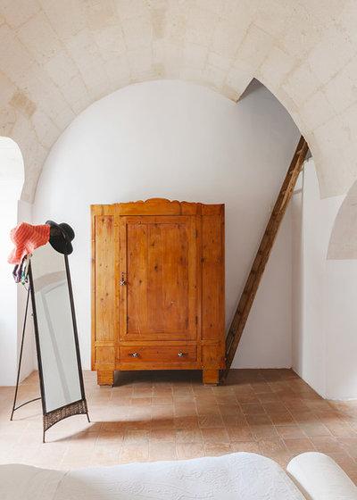 Mediterranean Closet by Pierangelo Laterza