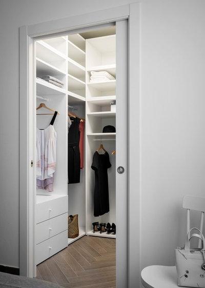 Contemporary Wardrobe by Seimanistudio