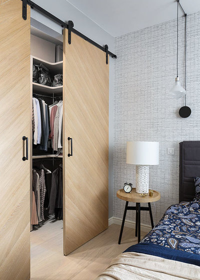 Contemporary Wardrobe by K-studio Interior Design