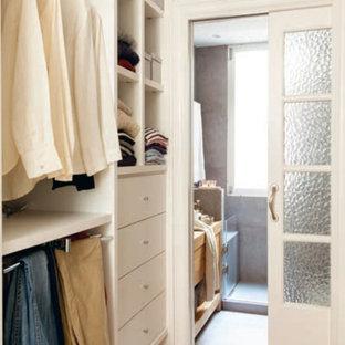 Idée de décoration pour un dressing et rangement style shabby chic.